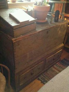 Blanket chest from England Bonnie Armbruster