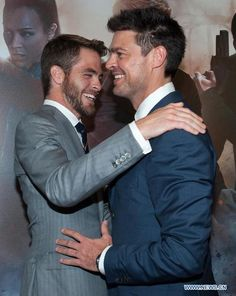 karl urban chris pine- what I would do to be in the middle of that