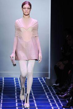 Balenciaga Spring 2009 Ready-to-Wear Fashion Show - Natalia Vodianova