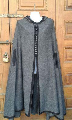 Retrouvez cet article dans ma boutique Etsy https://www.etsy.com/fr/listing/490846196/moroccan-cape-grey-cape-wool-cape-grey