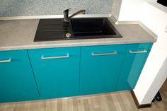 Mobilier Bucatarie MDF vopsit Turquoise lucios RAL 5021 si Bej Mat RAL 1013 chiuveta din compozit Alveus Decor, Home Decor, Sink