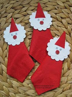 Nikolaus-Special: Last minute gifts & craft ideas for kids Simple Christmas, Christmas Holidays, Christmas Ornaments, Crafts To Make, Holiday Crafts, Deco Table Noel, Easy Christmas Decorations, Christmas Napkins, Christmas Napkin Folding