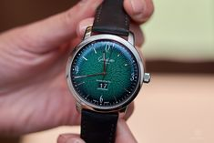 Glashütte Original Sixties with green dial, 39 mm stainless steel Glashutte Original, Two By Two, White Gold, Stainless Steel, Watches, The Originals, Green, Accessories, Wrist Watches