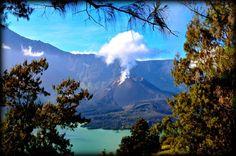 The small active volcano into the Lake; gunung rinjani
