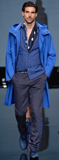 TWICE THE PREFERRED GENTLEMAN - Apart from appearing 'sloppy' & untidy I like the mix of blues & the overall look !