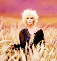 I usually don't love Cher as a blonde, but this picture is different. Maybe it's the colors... and the cut. I really like the cut!