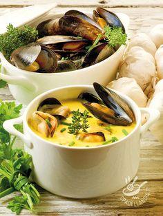 La Zuppa di cozze  e formaggio allo zafferano è una pietanza delicata dal profumo inebriante. Un primo piatto nutriente e molto raffinato. Irresistibile!