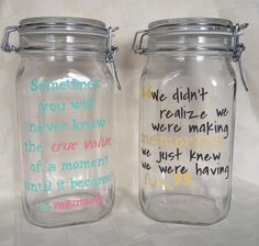 Just fill the jar with your favorite memories throughout the year. Then, on New Year's Eve, empty the jar and enjoy reading all of your memories from the year! Mason Jar Crafts, Mason Jars, 365 Jar, Pots, After Life, Jar Gifts, Grad Parties, Teacher Gifts, Just In Case