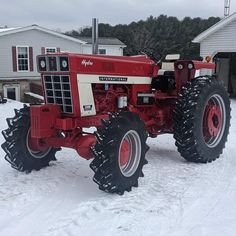 Truck And Tractor Pull, Tractor Pulling, Farmall Tractors, Old Tractors, Classic Tractor, Old Farm Equipment, Antique Tractors, International Harvester, Rubber Tires