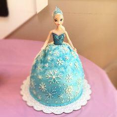 Birthday Cake Frozen Elsa cakepins.com