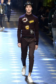 Dolce and Gabbana Menswear Fall/Winter 2018 para Milan Fashion Week Mode Chic, Mode Style, Fashion Show, Fashion Outfits, Fashion Design, Milan Fashion, Fashion Rings, Dolce And Gabbana 2017, Dolce Gabbana Men