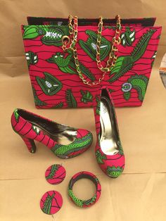 African Print Shoes and Purse. African Fabric by EJAfricanProducts African Print Shoes and Purse. African Fabric by EJAfricanProducts Diy African Jewelry, African Accessories, Fashion Accessories, African Inspired Fashion, African Print Fashion, African Prints, Ankara Bags, Moda Afro, Christian Louboutin