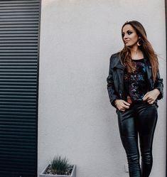 """Mam na to oko ▪️Gosia na Instagramie: """"""""Nasze dni są szczęśliwsze, kiedy dajemy ludziom nieco serca, zamiast mówić im, co myślimy"""". – Ritu Ghatourey . . Jeden z kilku cytatów we…"""" Norfolk, Motto, My Photos, Leather Pants, Instagram, Fashion, Leather Jogger Pants, Moda, Fashion Styles"""
