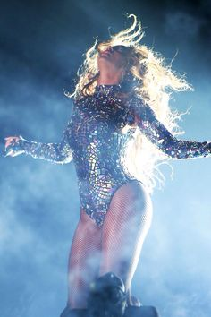 Beyonce Performance at The 2014 Mtv Video Music Awards