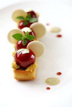 ♨ Gourmet Appetite ♨*Pistacchio Amarena #plating #presentation