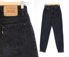 Sz 2 / 3 L 90s Black Levi's 550 High Waisted Mom Jeans - Vintage Women's Relaxed Fit Tapered Leg Long Jeans
