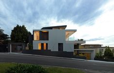 House on Captain Piper's Road by Kieran McInerney Architect - Vaucluse, Australia Architecture Details, Modern Architecture, Villas, Modern Exterior, House Goals, Midcentury Modern, House Styles, Passive Solar, Contemporary Homes