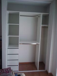 Closet set up but bigger Bedroom Closet Design, Bedroom Wardrobe, Wardrobe Design, Wardrobe Closet, Built In Wardrobe, Closet Designs, Bedroom Decor, Diy Rangement, Closet Layout