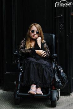 #gothic #goth #gothicgirl #blonde #gothblonde #laces #qodfashion  more: http://VamppiV.blogspot.com
