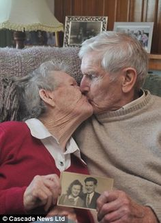 Bessie Cameron literally fell for her husband of seventy years - she fainted into his arms when the first bombs fell in 1940 - and they are now celebrating their wedding anniversary. Forever Love, Forever Young, Big Bisous, Vieux Couples, Older Couples, Growing Old Together, Old Folks, Everlasting Love, Endless Love