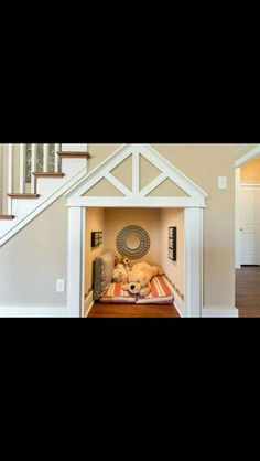 Dog House Ideas Under Stairs - Part To Remember Animal Room, Dog Bedroom, Puppy Room, Dog Spaces, Dog Rooms, Rooms For Dogs, Home Projects, Sweet Home, Under Stairs Dog House