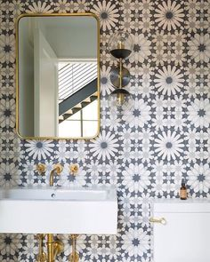 Why not take the tile all the way to the ceiling...especially when it makes this big of statement @aiaaustin #wallcrushwednesday #powderroom  Repost: @restructurestudio @annsacks_atx