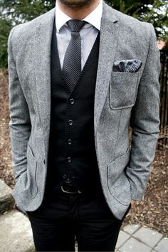 Reminds me SO MUCH of Ben's style! Great wedding suit for a more casual wedding!