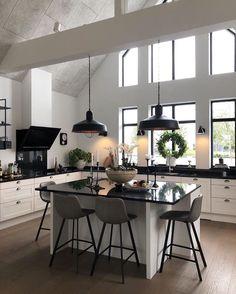 Home Decor Store, Fall Home Decor, Home Decor Trends, Loft Design, Küchen Design, Interior Exterior, Home Interior Design, Scandinavian Style Home, Loft Interiors