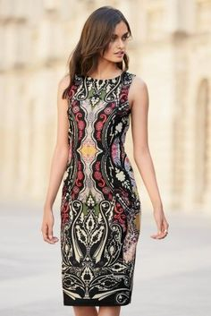 Go for bold in this show stopping printed bodycon dress.