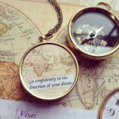 Kompass Halskette mit Spruch für Motivation