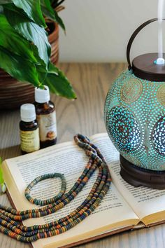 Essential Oils in a Humidifier? Know if it's right to add essential oils to a humidifier or should you use an essential oil diffuser. #Essentialoil #Essentialoilhumidifier #essentialoildiffuser