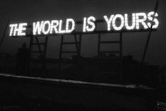 25 Best Black and White Photography - Fashiotopia Black And White Picture Wall, Black And White Pictures, Black White, Black Nail, B&w Tumblr, B&w Wallpaper, Green Wallpaper, Mode Collage, Ready For Marriage