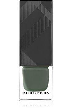 Anwendung: Der abgerundete Präzisionspinsel ermöglicht ein leichtes Auftragen In zwei Schichten aufgetragener Nagellack trocknet in weniger als zwei Minuten  8ml