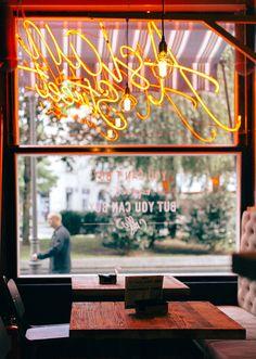 El antiguo Trimmer se llama ahora MISSKA BAR y es un restaurante de cocina oriental que apuesta por el plato de moda: el poke.