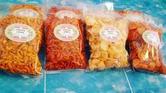 Ready Chippu Chips!!  (Dari kiri ke kanan) °Makaroni rasa jagung manis (ada pedesnya dikit) °Makaroni rasa pedas (pedes banget) °Keripik rasa bawang (gurih) °Keripik rasa pedas (pedes banget) Dijamin semuanya enak dan murah  For order  Wa 087854110015 Bbm 5F846C72
