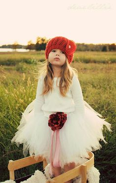 absolutely love this hat and tutu for a sweet little girl! Dear Lillie has precious children's clothes & accessories!