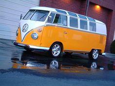 Orange and white. Vw Caravan, Bus Camper, Campers, Transporteur Volkswagen, Vw T1, Vw Bugs, T1 Samba, Combi Split, Vw Classic