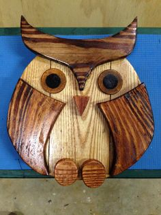 Wood owl crafted from pallets