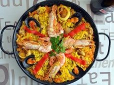 Spanish paella recipe!! The most famous Spanish Tapas dish! Discover how to cook this delicious dish!