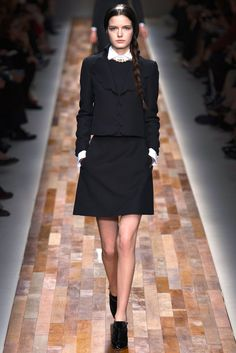 Valentino Fall 2013 Ready-to-Wear Fashion Show - Zlata Mangafic
