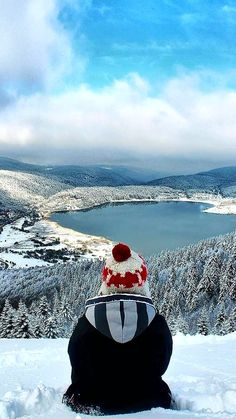 Lake Abant (Turkish: Abant Gölü) is a freshwater lake in Turkey's Bolu Province in northwest Anatolia, formed as a result of a great landslide Packing Tips For Travel, Travel Goals, Travel Advice, Turkey Weather, Turkey Resorts, Turkey Culture, Visit Turkey, Winter Travel Outfit, Nature