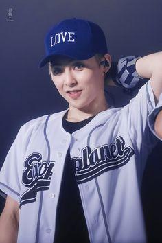 Kim Minseok Exo, Exo Xiumin, Kpop Exo, Exo Ot12, Kim Min Seok, Xiu Min, Chen, Exo Concert, Kim Junmyeon