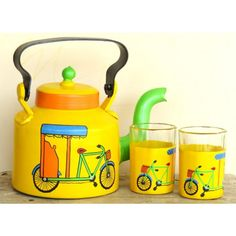 Upcycled Yellow Rickshaw Kettle With Two Glasses, this personalized eco-friendly kettle is made from Glass Bottle Crafts, Wine Bottle Art, Diy Bottle, Pottery Painting Designs, Paint Designs, Diy Home Crafts, Diy Arts And Crafts, Bottle Painting, Diy Painting