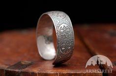Bracelet médiévale en acier inoxydable décapé  à vendre d'ArmStreet