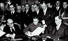 """21 de Julio Firma del """"Tratado de Paz, Amistad y Límites"""" en 1938, dando fin a la Guerra del Chaco llibrada entre Paraguay y Bolivia por el control del Chaco Boreal. Fue la guerra más importante en Sudamérica durante el siglo XX."""