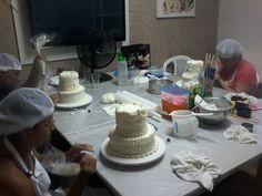 Curso de confeitaria para iniciantes, curso de bolo de noiva, inscreva-se já, bolosdakikarecife@gmail.com, 81-8569-1812 ou 81 9734-9720, fanpage facebook : Bolos da kika recife doces, Blog : Recife Doces cupcakes e bolos.