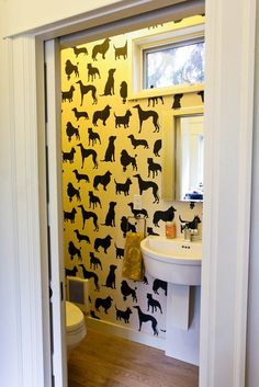 dog wallpaper for a small bathroom-genius Small Laundry Rooms, Small Rooms, Small Bathroom, Small Spaces, Understairs Toilet, Dog Wallpaper, Happy Wallpaper, Small Toilet, Downstairs Toilet