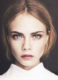 Cara Delevigne, knows how to rock this season's makeup trends. This fall, say hello to bold brows and berry lips. Beauty Make-up, Beauty Hacks, Hair Beauty, Vogue Beauty, Ageless Beauty, Beauty News, Beauty Trends, Makeup Goals, Makeup Tips