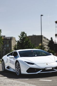 Lamborghini Huracan | Source | MVMT | Facebook