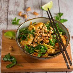Chicken and prawn Pad Thai recipe, serve over zuchini noodles. Gluten free, paleo | photo and recipe Noa Deutsch, at Feuling Endurance Performance